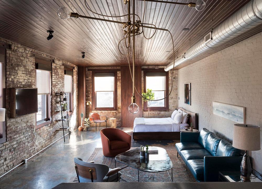 Wm.-Mulherin_s-Sons-Hotel---Room-1-guestroom-chandelier---by-Matthew-Williams.jpg