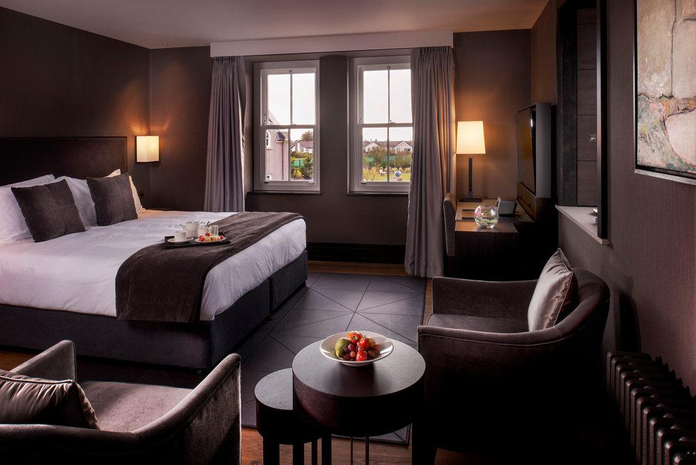 Twr-y-Felin-Hotel,-Wales,-UK_En-suite_02.jpg