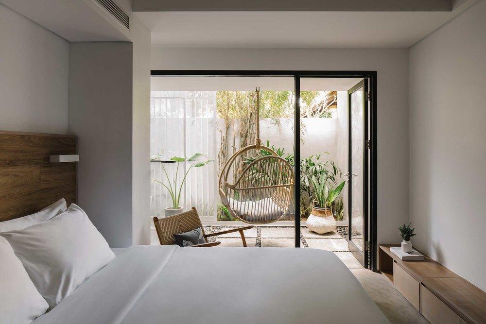 Lloyd_s-Bali0120.jpg
