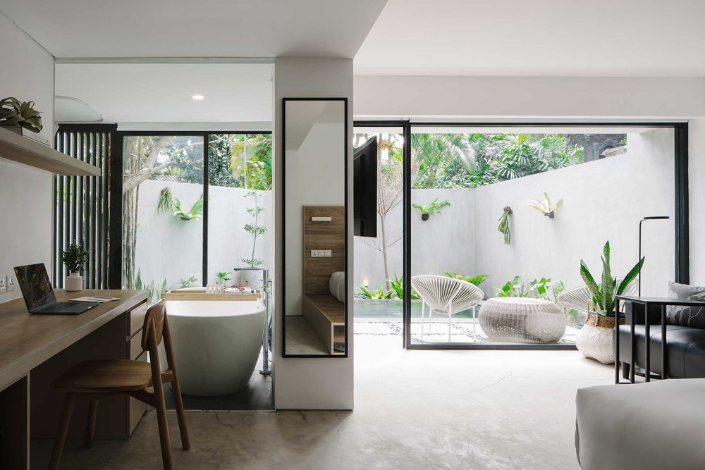 Lloyd_s-Bali0096.jpg