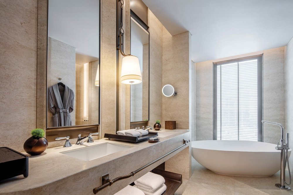 EXCLUSIVE-IMAGE_WABKK_Astoria-Suite-Bathroom.jpg