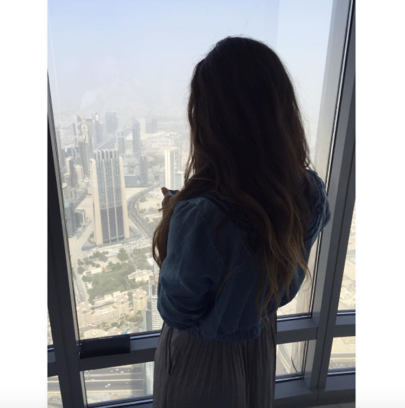 at the top carla maria bruno burj khalifa dubai tour travel tips travel blogger travel influencer travel vlogger lifestyle blogger lifestyle vlogger lifestyle influencer collaborate visit dubai.png