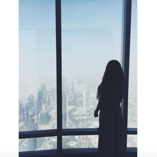 tallest building in the world carla maria bruno burj khalifa dubai tour travel tips travel blogger travel influencer travel vlogger lifestyle blogger lifestyle vlogger lifestyle influencer collaborate visit dubai.png