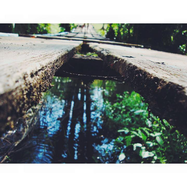 cracked bridge costa rica pura vida trip travel tips tropical central america tourism san jose carla maria bruno blogger travel vlogger travel influencer adventure travel ocean tropical eco friendly.jpg