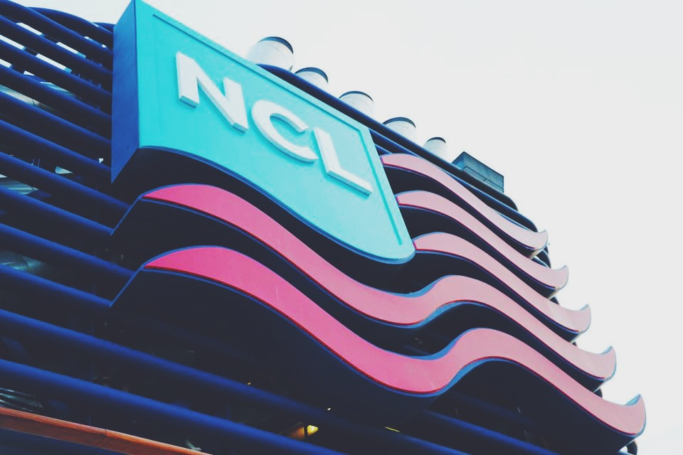 ncl logo norwegian cruise line hawaii collaboration media travel blogger travel vlogger travel influencer travel tips hawaii tips norwegian cruise line tips and reviews carla maria bruno island hoping.JPG