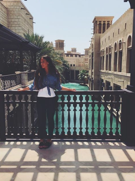 hanging out by the water dubai mall dubai life my dubai travel blogger travel vlogger travel influencer visit dubai my life in dubai luxury dubai food blog uae.png
