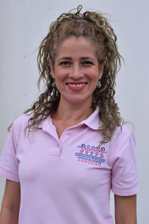 """Xilena Conrado   Coordinadora de proyectos  """"Me encargo de gestionar locales para la realización de Papanicolaou y exámenes clínicos de mama, al igual que ejecutar proyectos de prevención del cáncer de mama."""""""