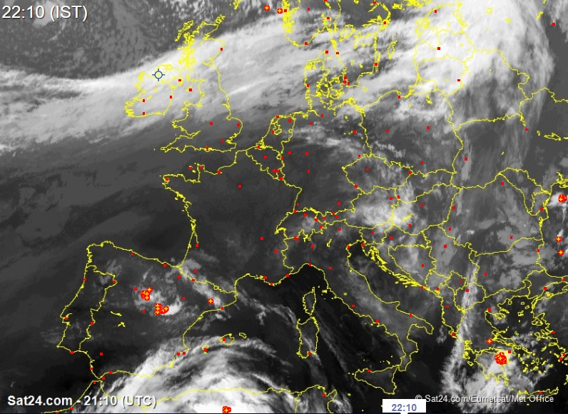 The latest Satellite image shows clear weather pushing in from the west and northwest