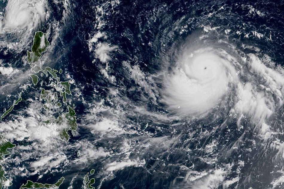 SUPER TYPHOON 🌀 MANGKHUT HEADING TOWARDS HONG KONG AND PHILIPPINES WHICH IS CURRENTLY STRONGER THAN HURRICANE FLORENCE AND DUE TO BE DEADLY