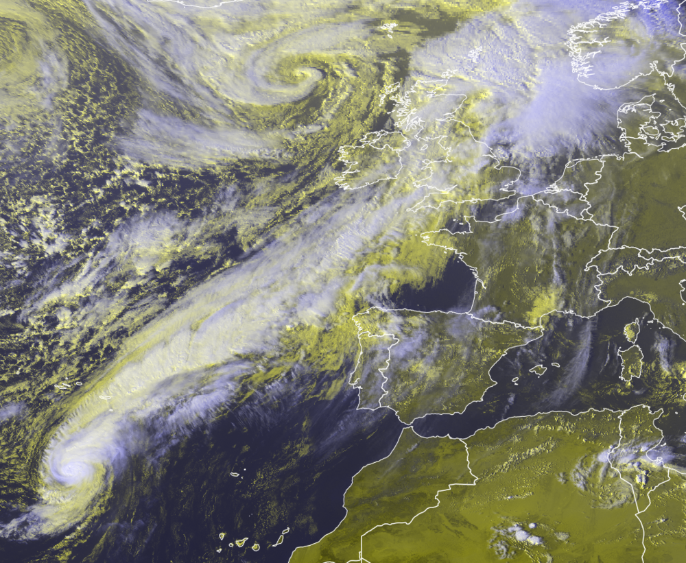 Hurricane Leslie of the southwest of Portugal and west of the Canary Islands this afternoon with storm Callum visible to the northwest of Ireland. The band of rain and cloud from Hurricane Leslie can be seen on this stretching all the way as far as Ireland and the UK