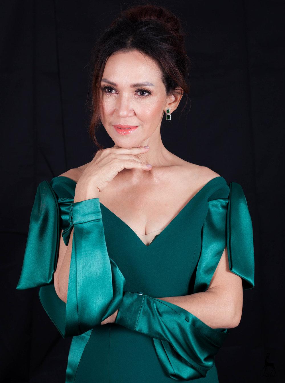 ดี้ ปัทมา ปานทอง ร้อยไหมมรกต emerald
