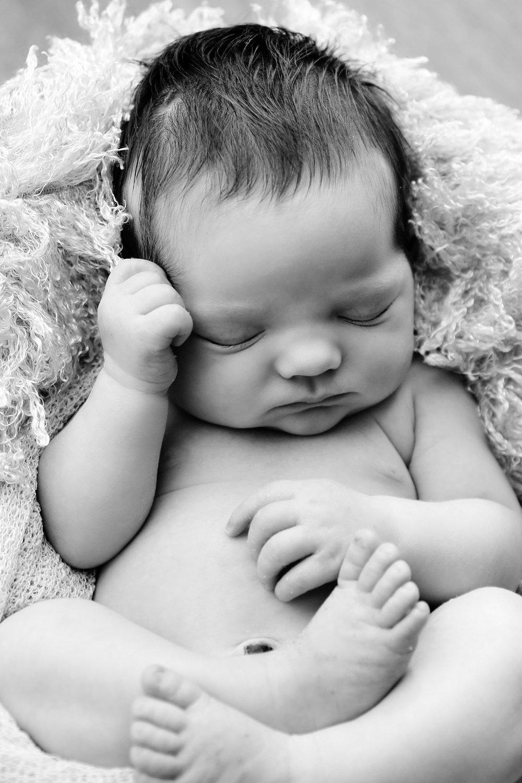 newborn-photography-berkshire-hampshire-15.jpg