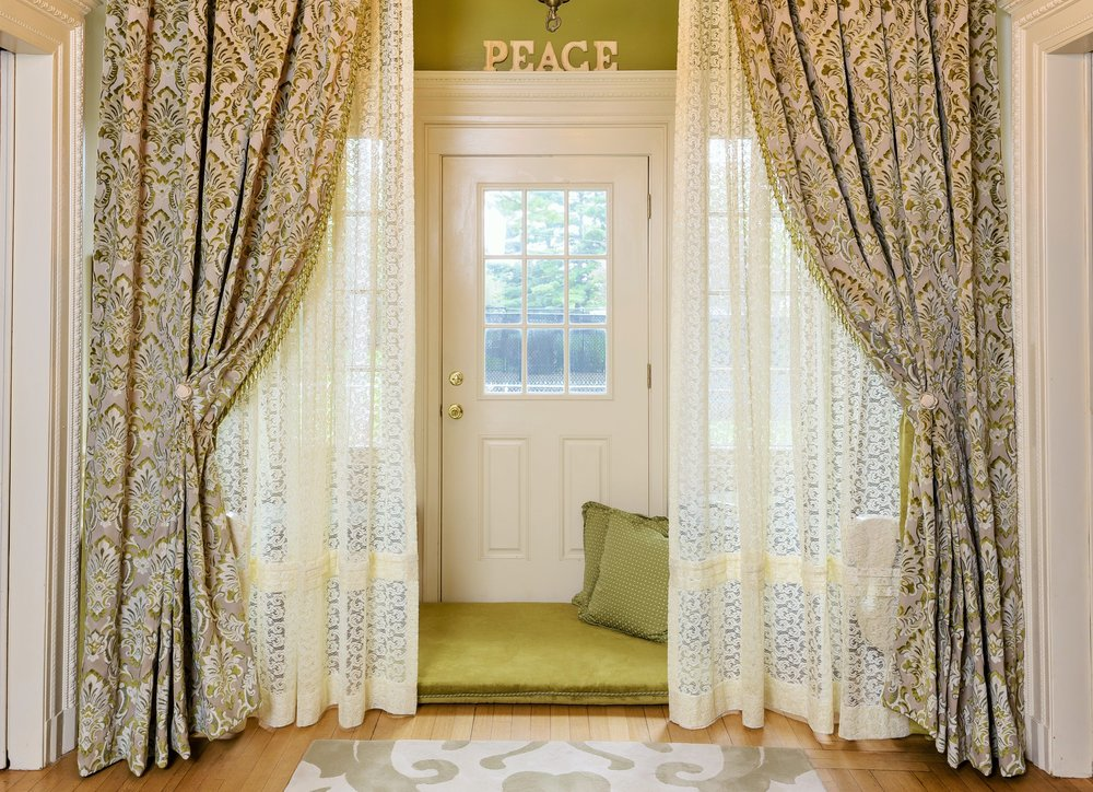window-treatments-blinds-drapery-cornices-bedding-linens-windham-haverhill-6 (2).jpg