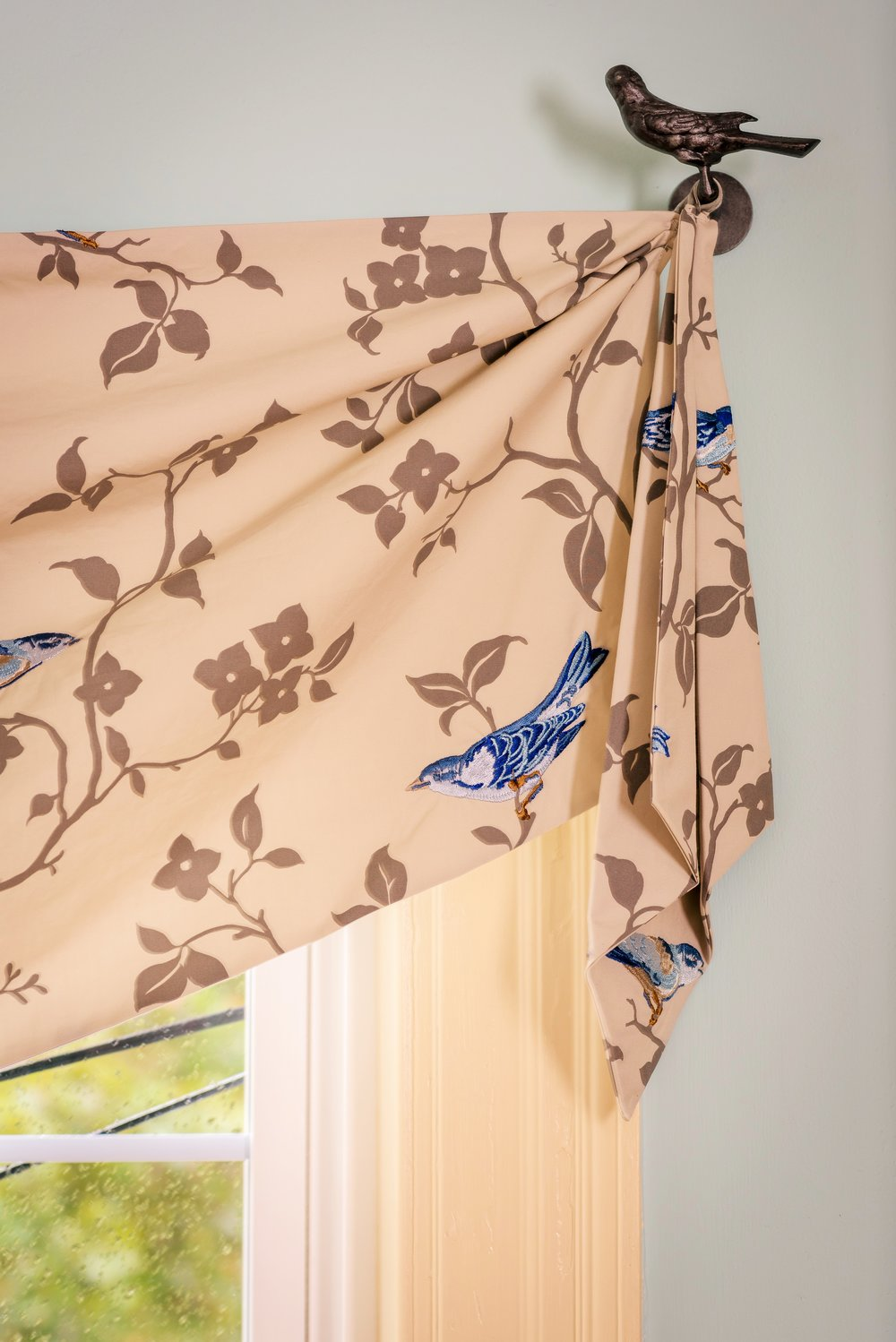 drapery-roman-shades-blinds-home-decor-swags-valances-londonderry-salem-17.jpg
