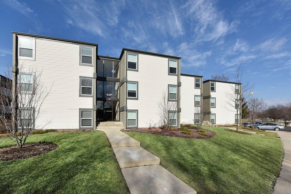 Asset Class : Multifamily    Location : Schaumburg, IL   Acquisition : February 2014   Status : Sold June 2016    Size : 300-units    Description : Palatine recapitalized a distressed multifamily property undergoing a significant renovation, which had stalled due to a partnership dispute by acquiring one of the two partner's interests.  Palatine subsequently executed the balance of the capital improvements and stabilized and sold the asset. This investment showcases Palatine's ability to navigate complex partnerships and joint-venture structures, as well as its capacity to execute a comprehensive asset repositioning.