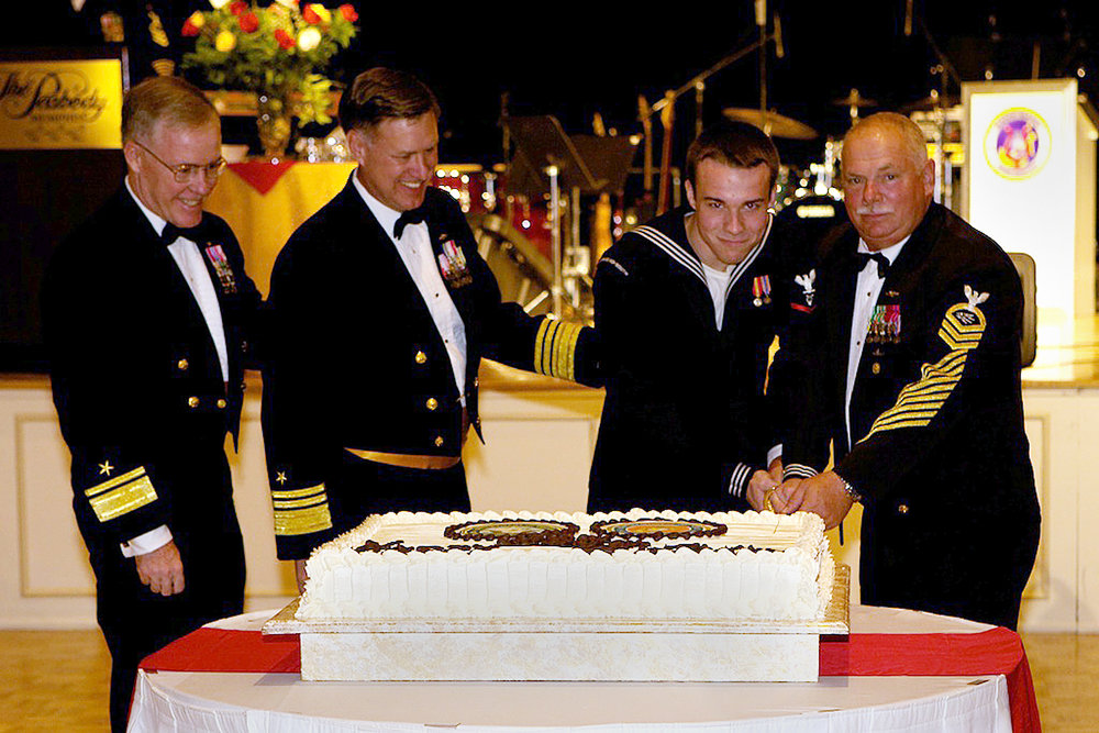 US_Navy_101009-N-3822F-001_Official_cake_cutting_ceremony_during_the_Naval_Personnel_Command_(NPC)_Navy_Ball.jpg