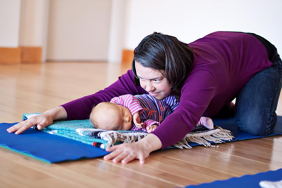 Pre/Postnatal Yoga Class