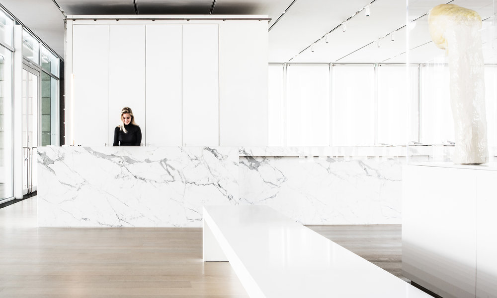 Terzo-Piano-Host-Stand-and-Elongated-Bar-Photo-Credit-Anthony-Tahlier-Photography.jpg