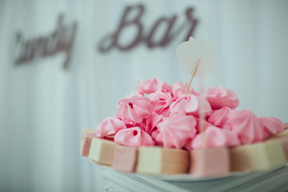 merengues on candy bar.jpeg
