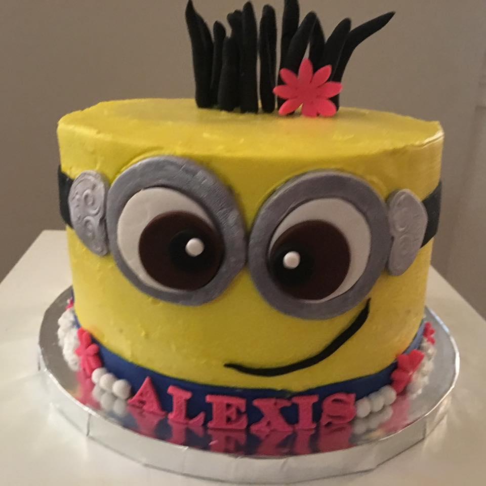minion cake alexis.jpg