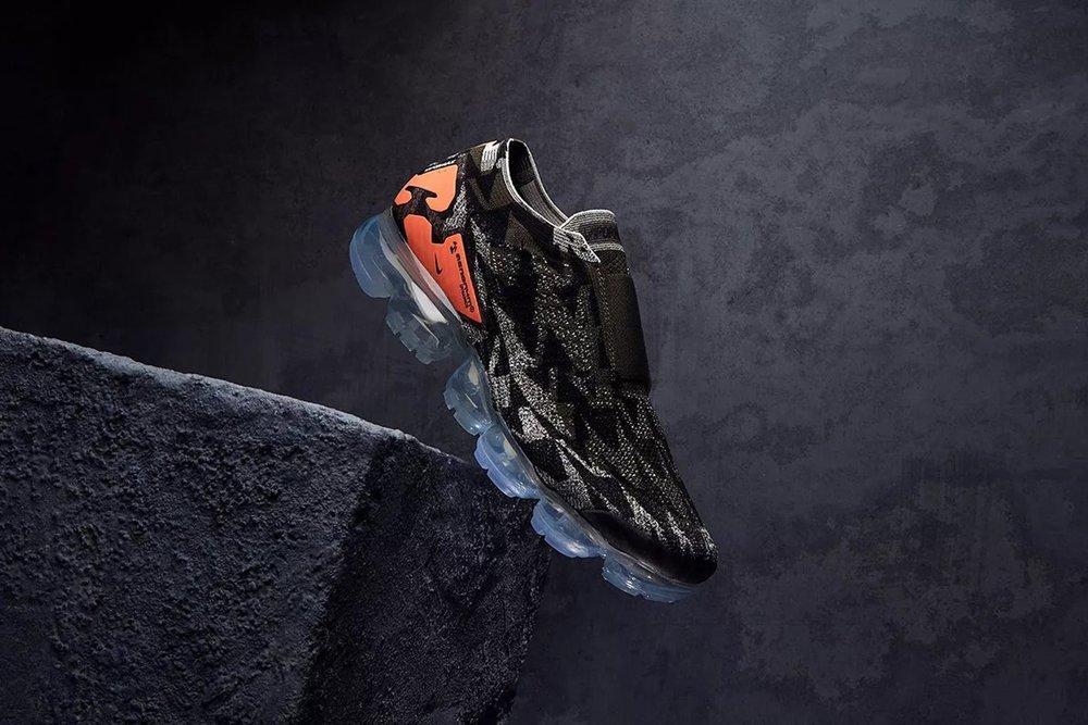 acronym-nike-air-vapormax-moc-2-thirsty-bandit-sneakers-1.jpg