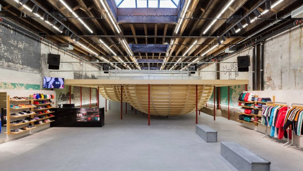 supreme-brooklyn-store-neil-logan-architect-interiors-retail-new-york-city-usa_dezeen_2364_hero-1024x576.jpg