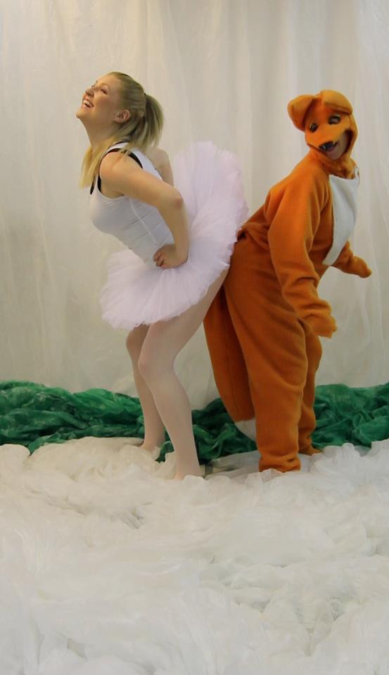 Kettu ja Soittorasia. Dance Theatre DisTanz (2012)