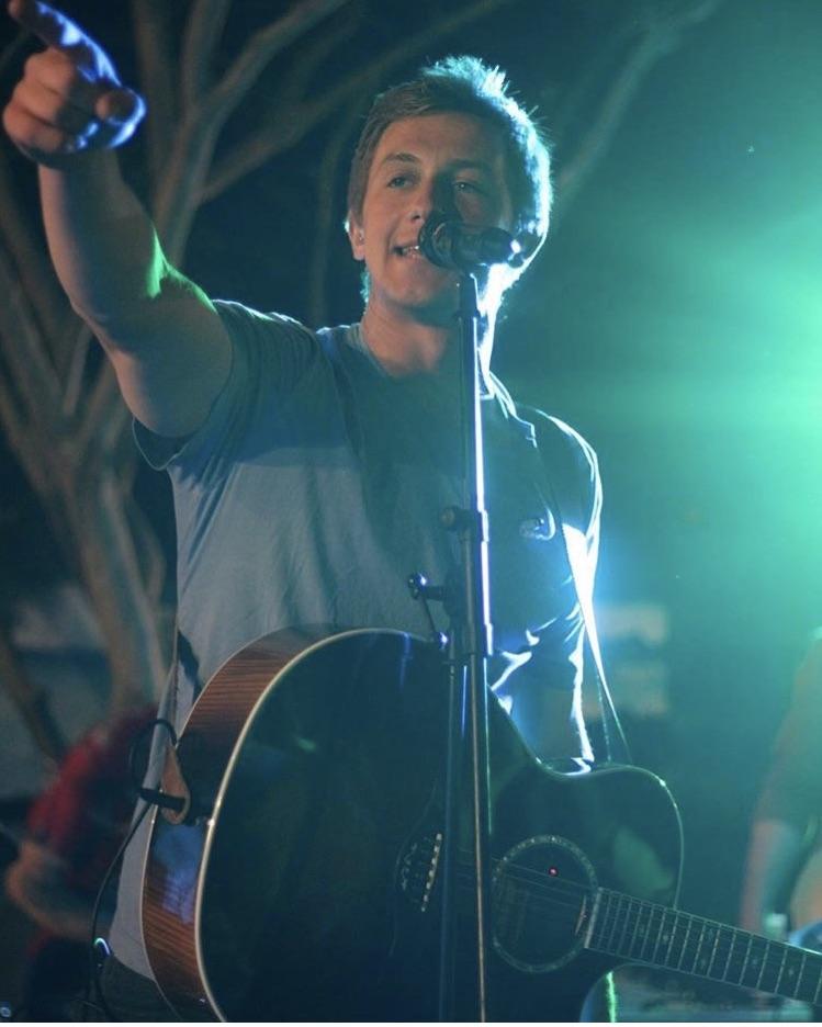 Cooper Alan pic with guitar.jpg