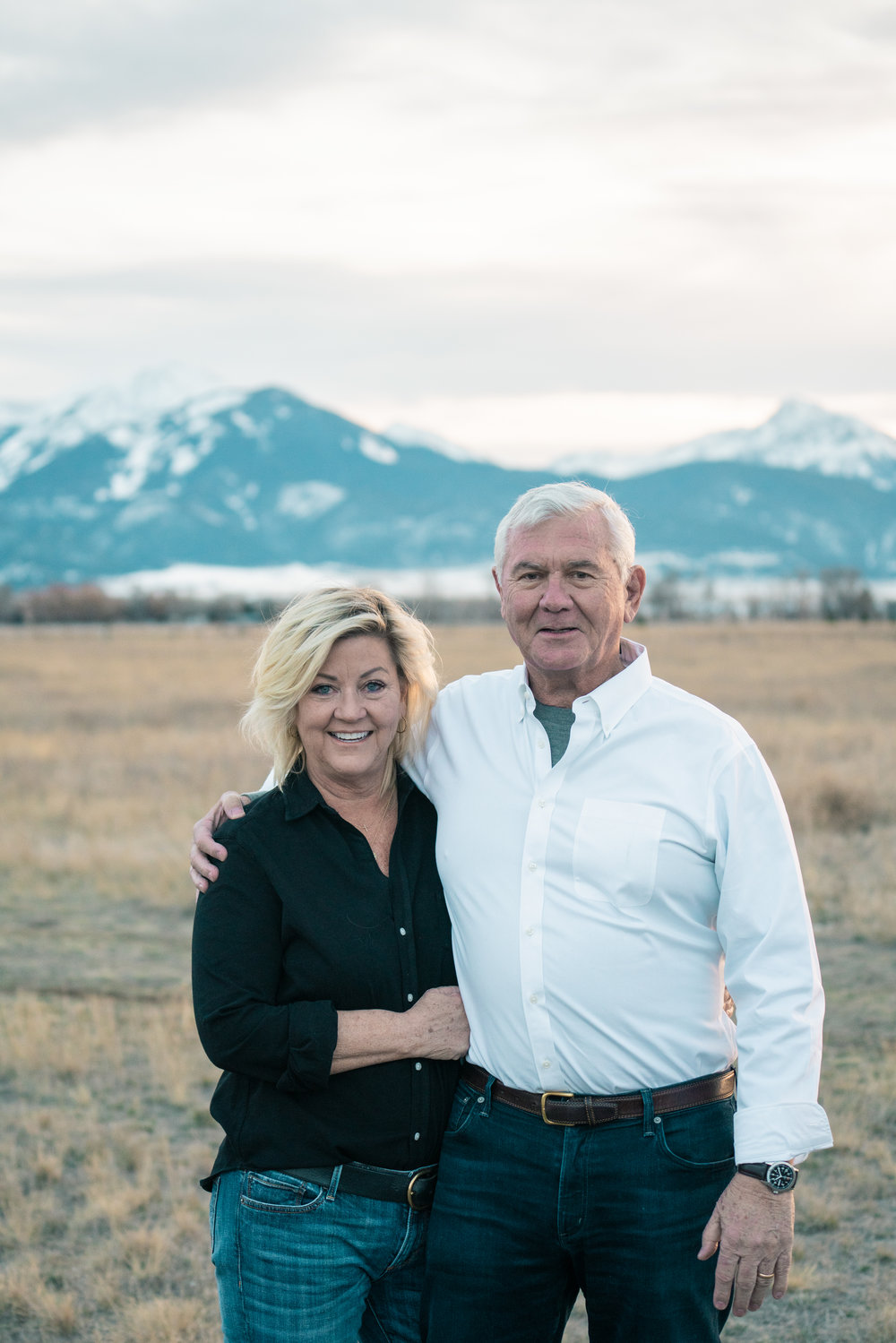 A Couple's portrait in Montana's Paradise Valley.