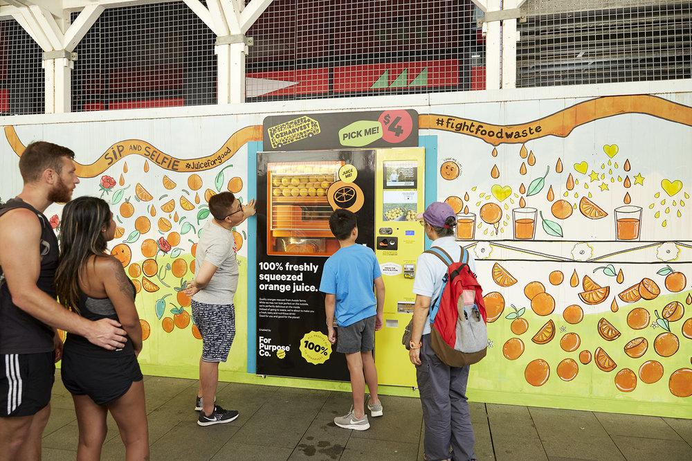 Juice For Good fresh orange juice vending machine