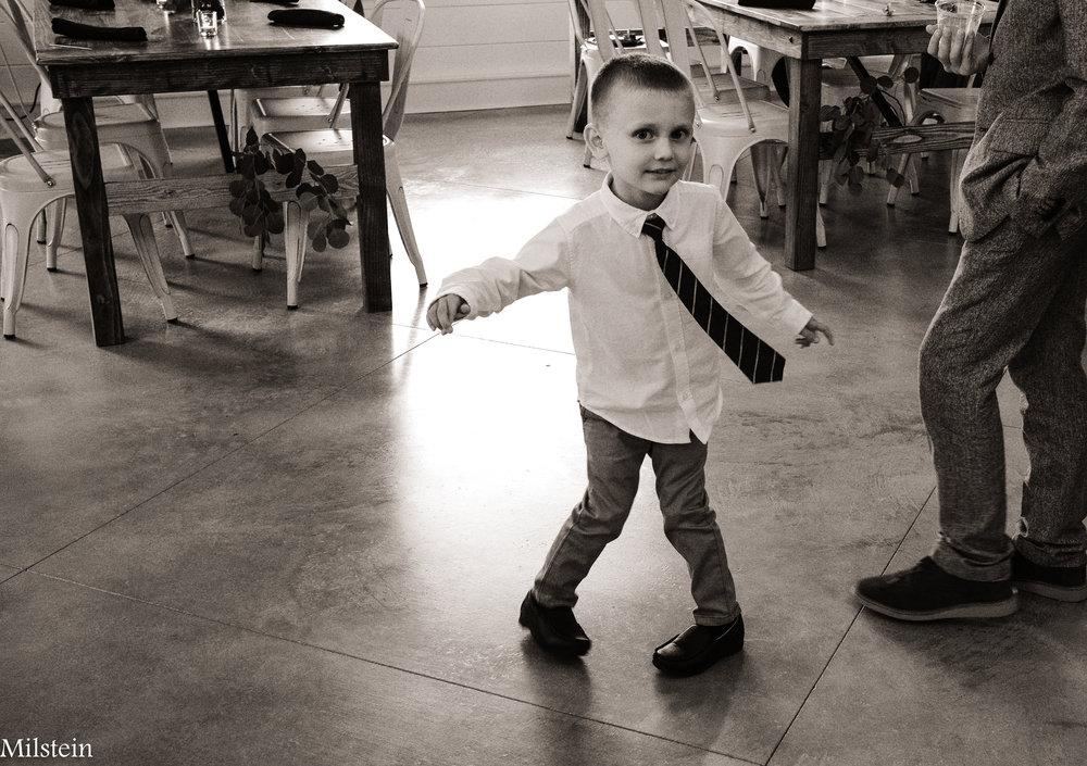Wilds-Wedding-Venue-best-black-and-white-candid-wedding-photographer-Amy-Milstein