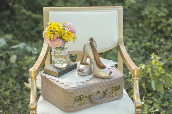 Rustic wedding decor with accessories