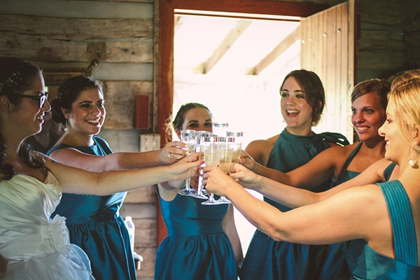 Must do with your bridesmaids: sip on champagne before the day starts!