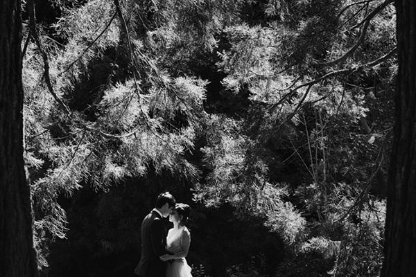 Such a stunning black and white wedding photo