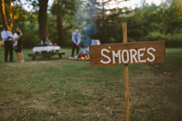 S'Mores are the best idea for a fall and winter wedding!