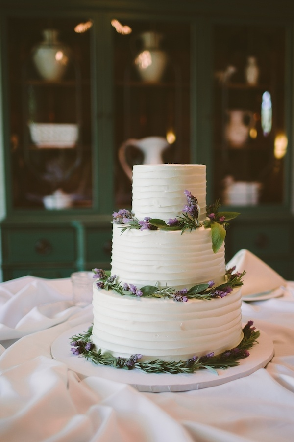 Lovely rustic buttercream wedding cake!