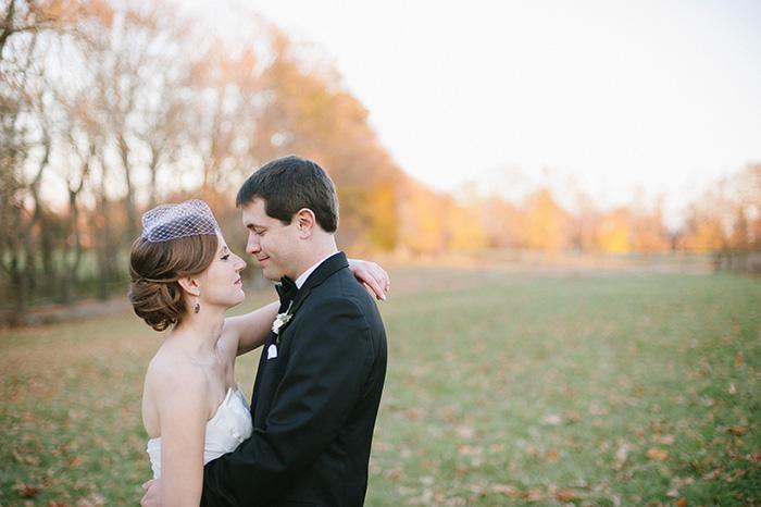 Romantic fall wedding photo bride and groom
