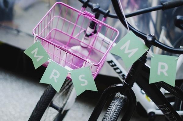 Cute wedding bicylce signs