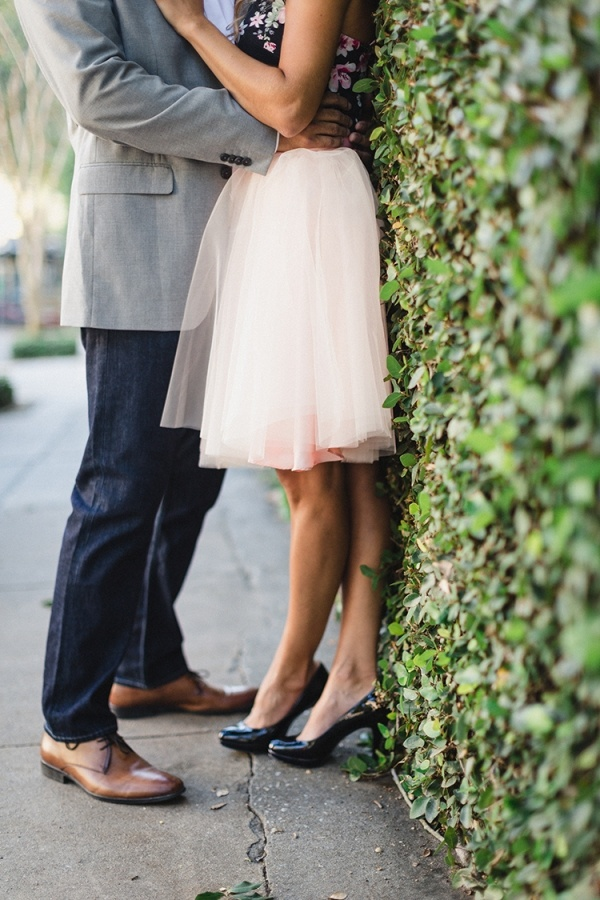 Gorgeous engagement photo outfit ideas