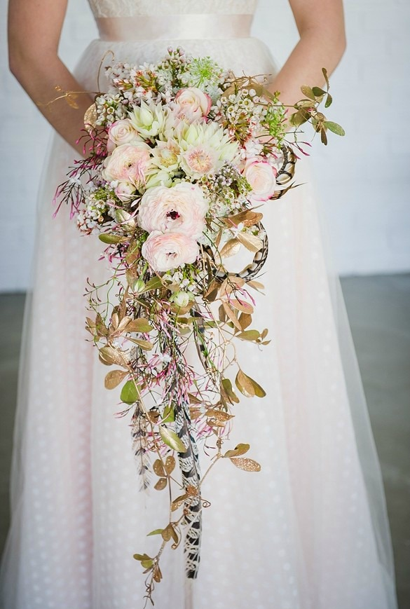 Fresh And Unique Spring Wedding Bouquet Ideas For Springtime Brides