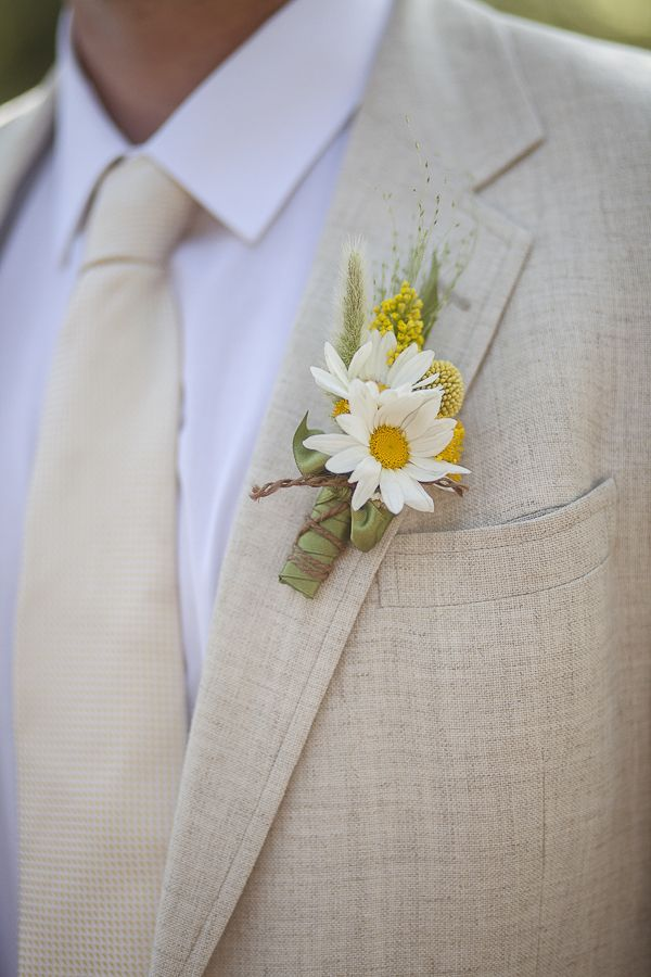 Photo by  Danielle Capito Photography  via  Wedding Chicks