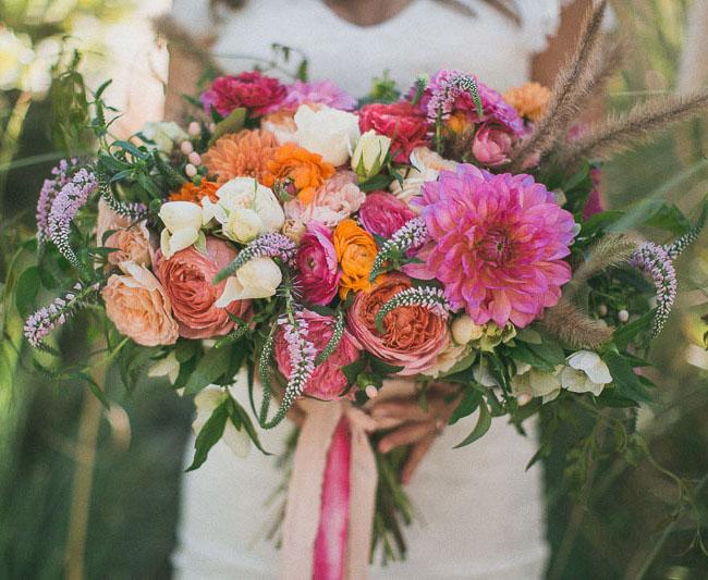 Photo by  Studio Castillero  via  Green Wedding Shoes