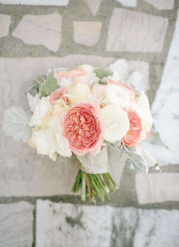 Photo by  Melanie Mauer  via  Southern Weddings