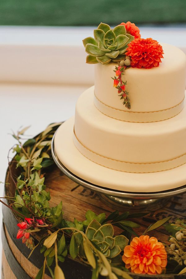 30 succulent wedding cake ideas: 2015\'s hottest cake trend — Wedpics ...