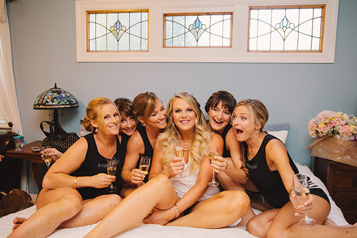 Fun getting ready pick with the bride and her bridesmaids!
