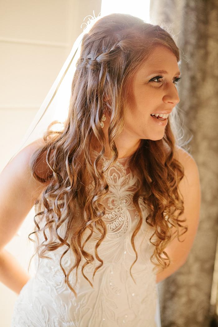 Love this bride's braided hair style!