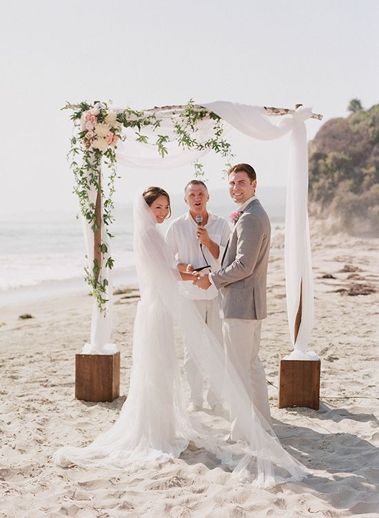 Photo by  Elizabeth Messina via  Wedding Chicks