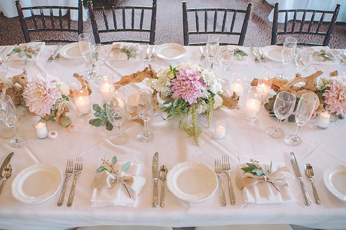 romantic driftwood and dahlia wedding centerpiece ideas