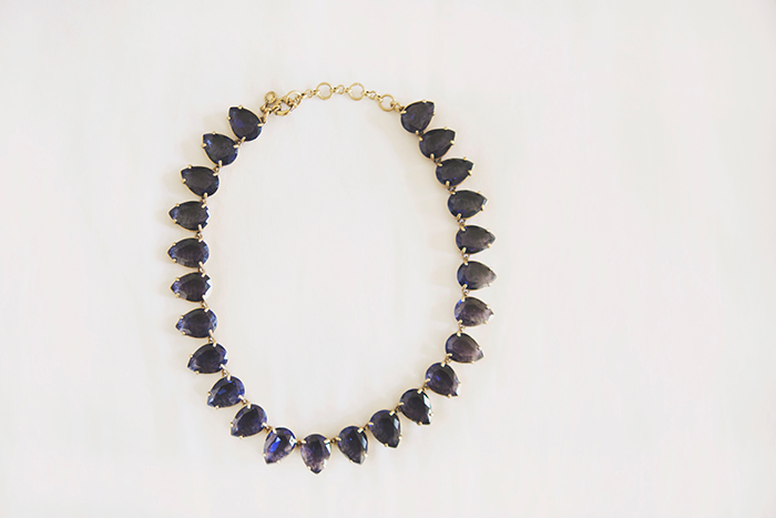 Beautiful something blue: a statement necklace!