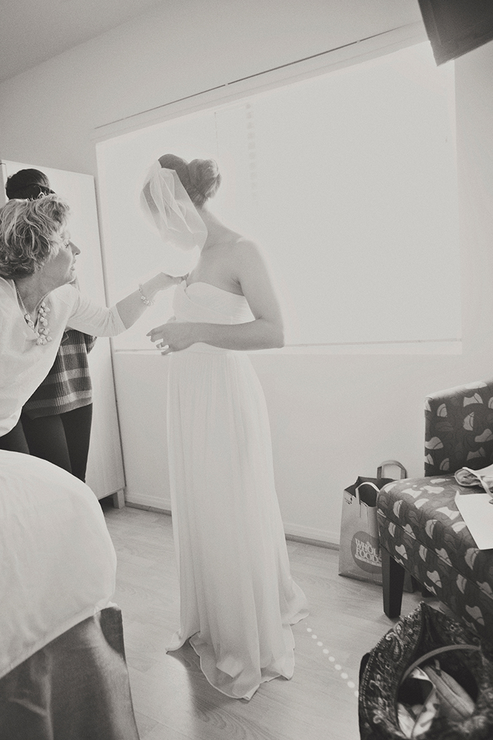 Gorgeous photo of the bride getting ready